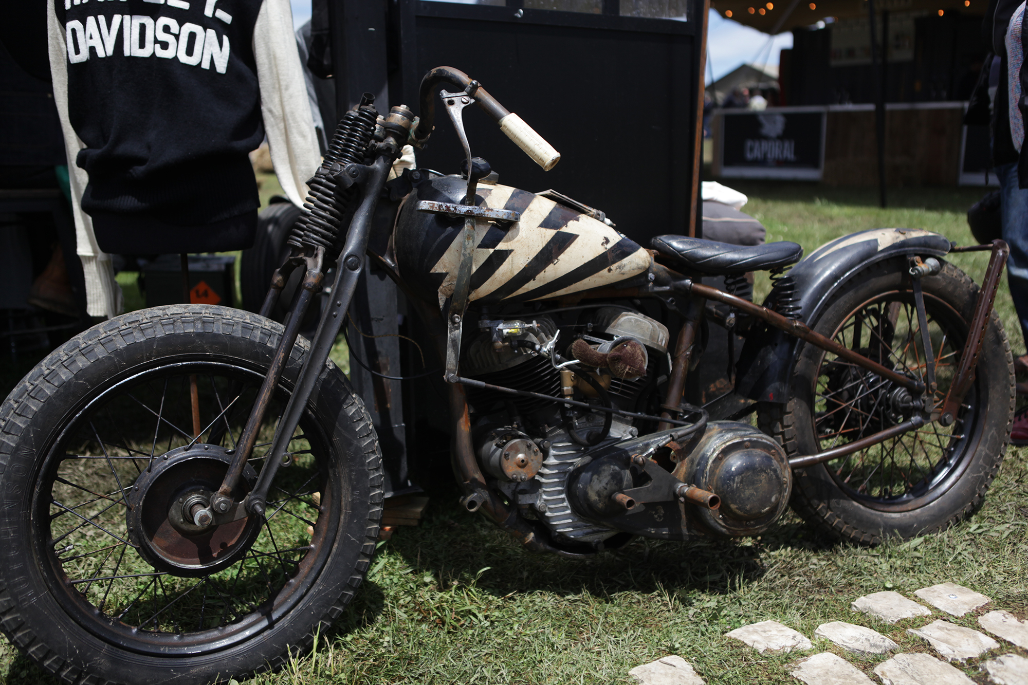 to the bones - wheels and waves 2019 - 11